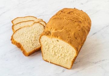 خرید نان در روزهای کرونایی